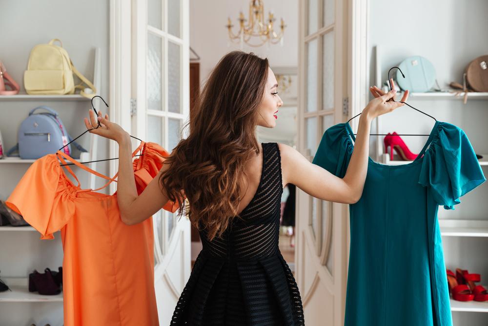 Diese Kleidungsstücke finden Männer an Frauen unsexy