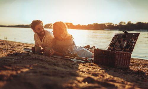 Diese 3 Sternzeichen verlieben sich im Sommerurlaub
