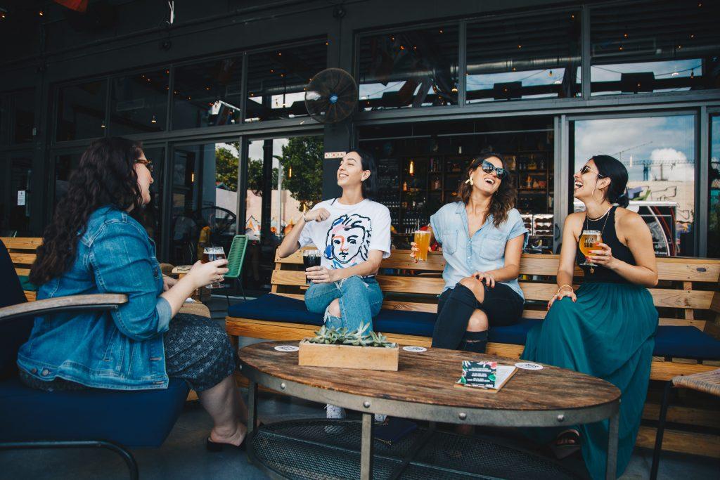 5 Gründe, warum du öfters zum Stammtisch gehen solltest