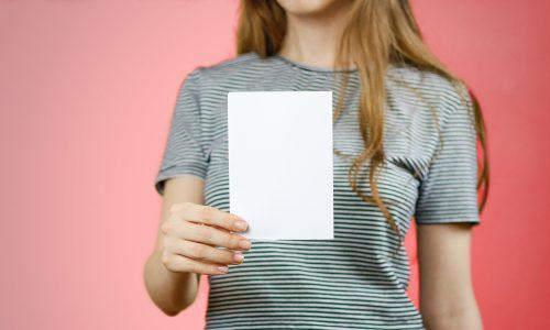 Wie eine Broschüre lästige Date-Fragen der Familie beantwortet