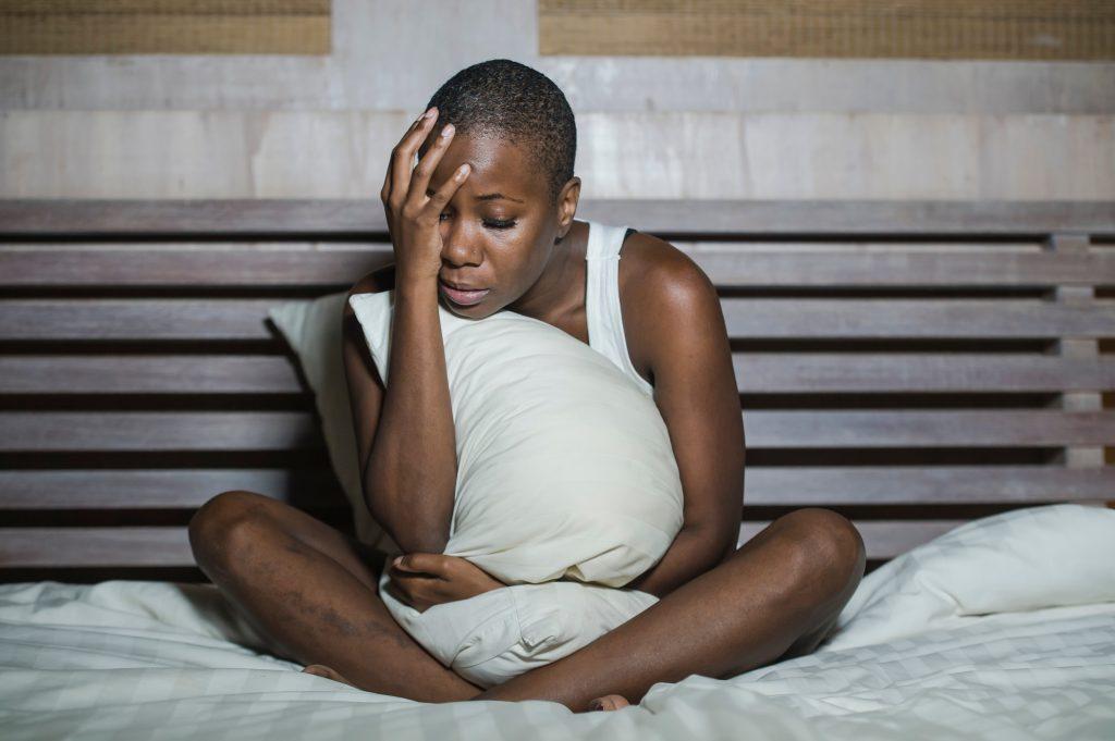 5 unangenehme Dinge, die jeder von uns im Schlaf schon mal getan hat