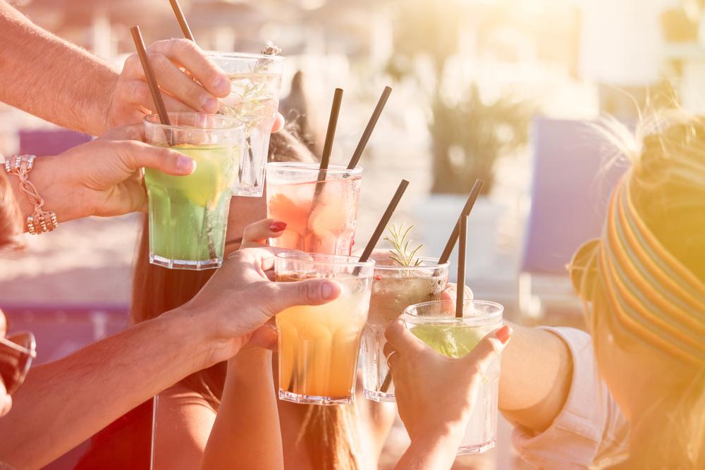 4 fruchtige Sommerdrinks zum Selbermachen