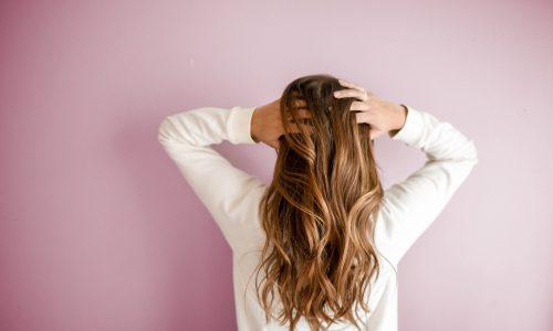 Diese drei Frisuren machen dich optisch kleiner