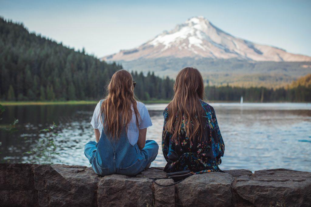 So lässt du eine alte Freundschaft wieder aufleben