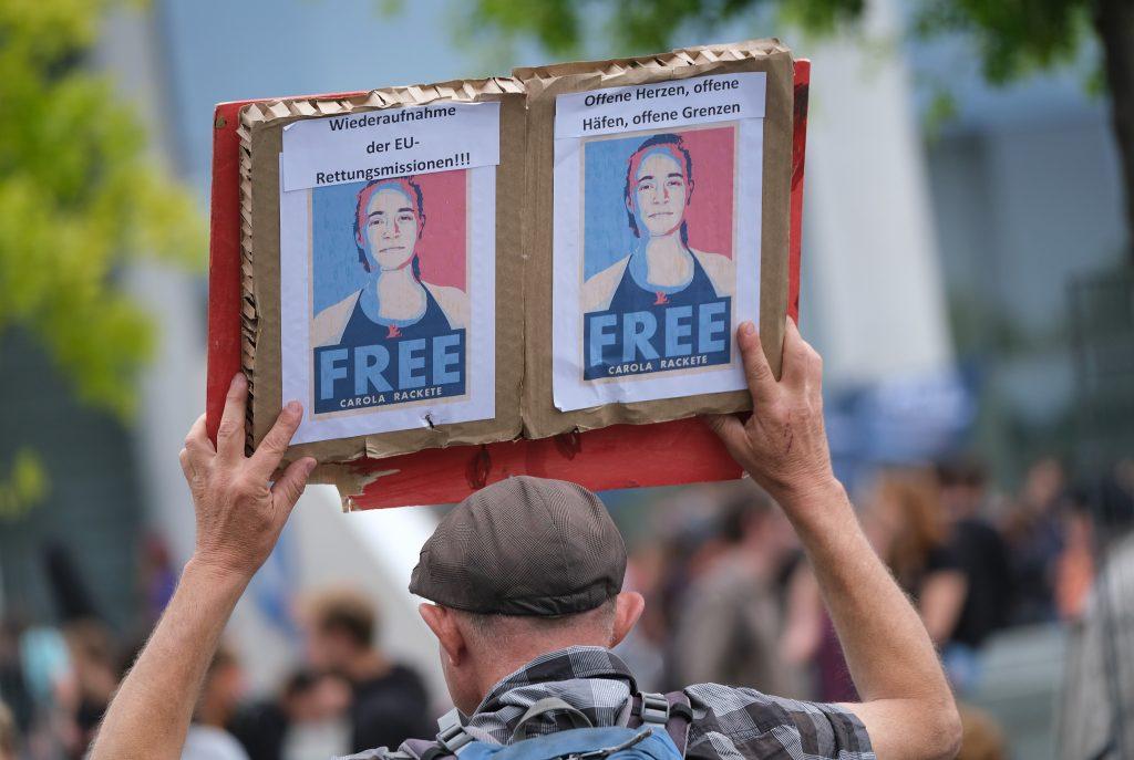 FreeTheNipple: Frauen verzichten aus Protest auf BH