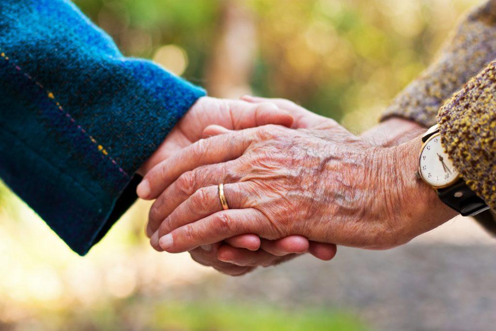 Dieses Paar stirbt nach 71 Jahren Ehe am selben Tag