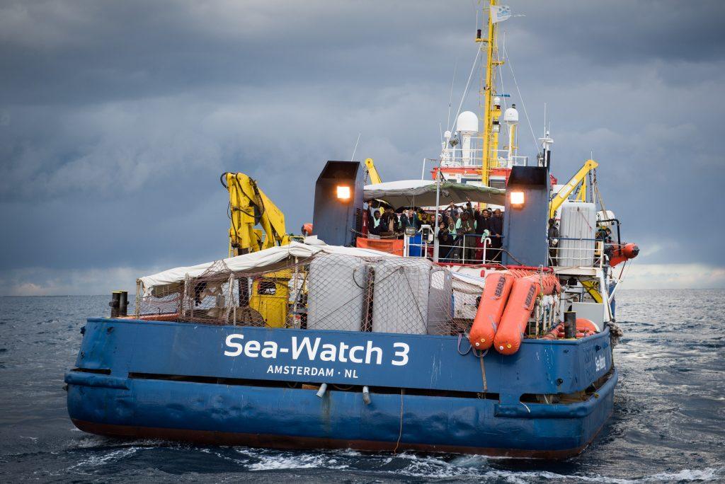 Carola Rackete: Kapitänin rettet Ertrinkende und wird verhaftet