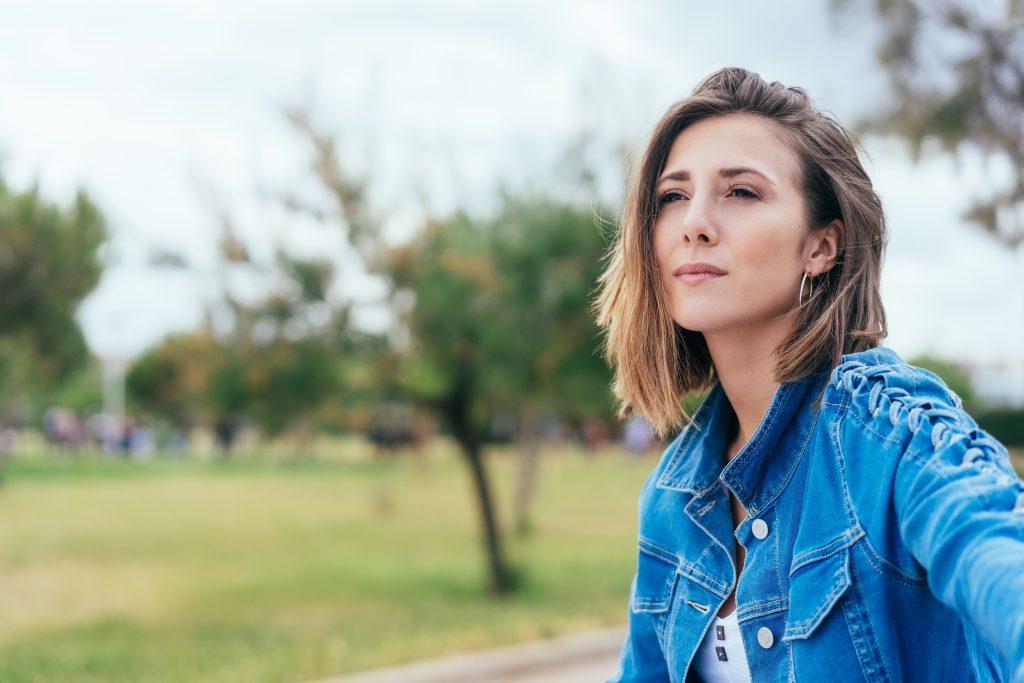 3 einfache Tipps für Introvertierte: So wirst du offener