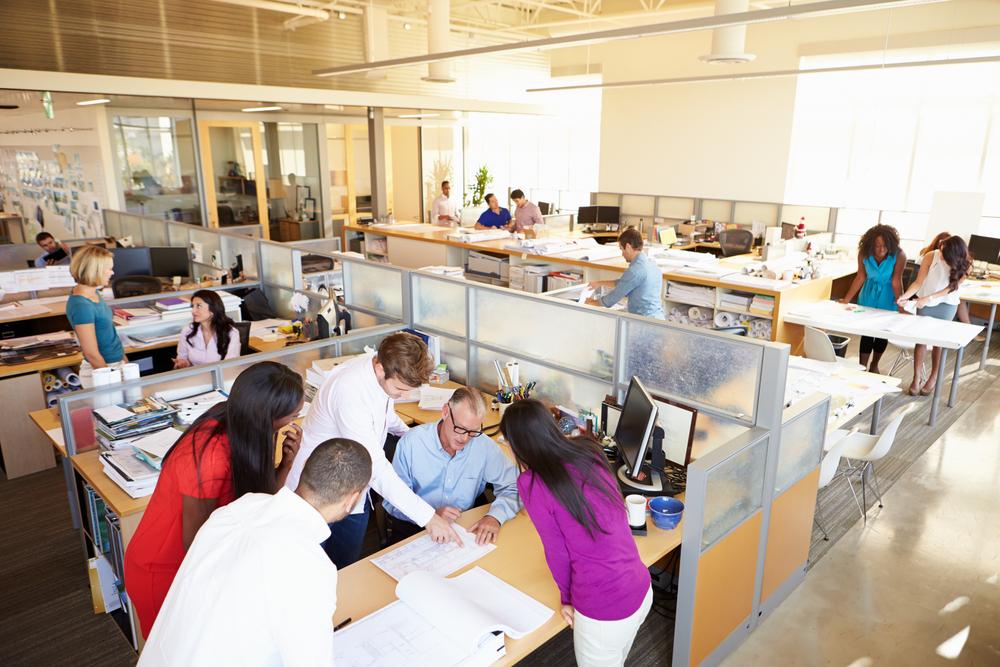 10 Tipps, um im Großraumbüro zu überleben