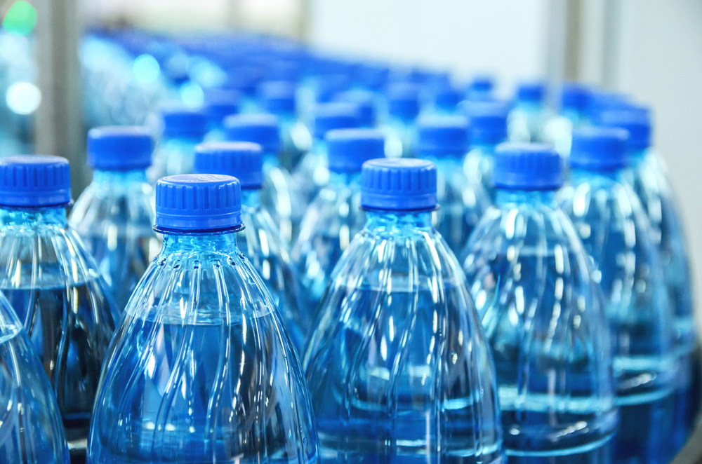 Flughafen San Francisco verbietet Wasser in Plastikflaschen