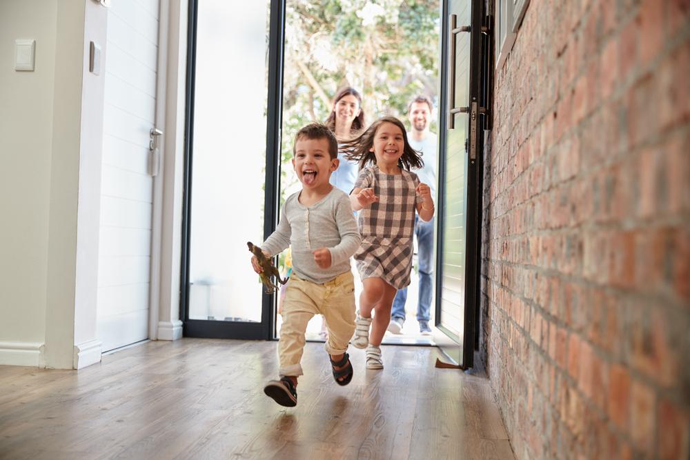 Studie: Kinder machen glücklich – sobald sie ausgezogen sind