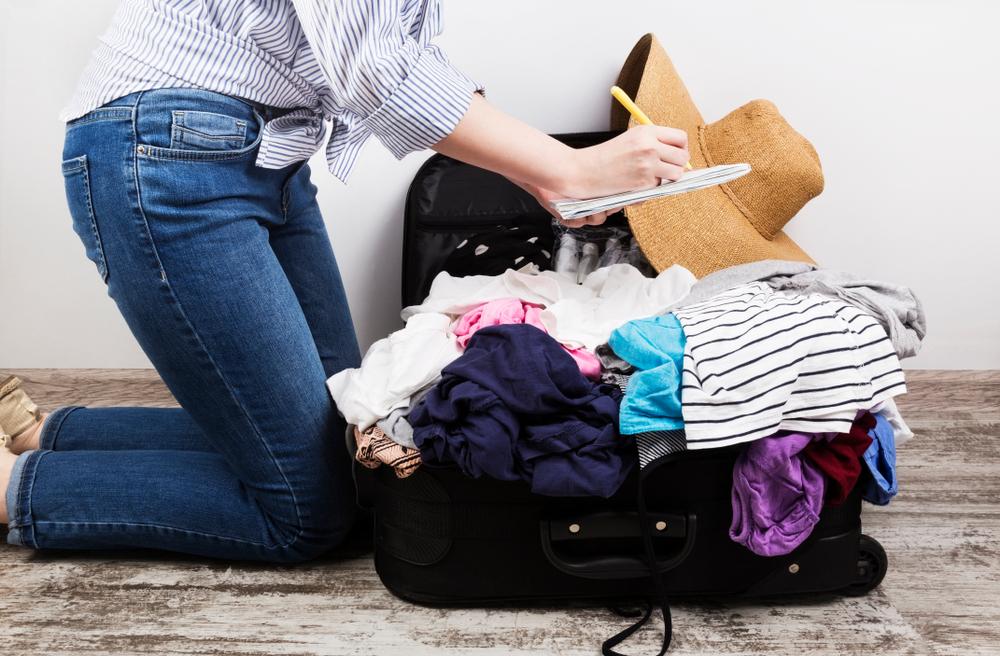 Koffer packen: 4 geniale Tipps um Platz zu sparen