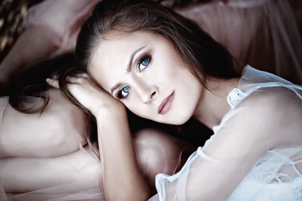 Diese 3 Tipps sorgen für einen strahlenden Blick aus schönen Augen
