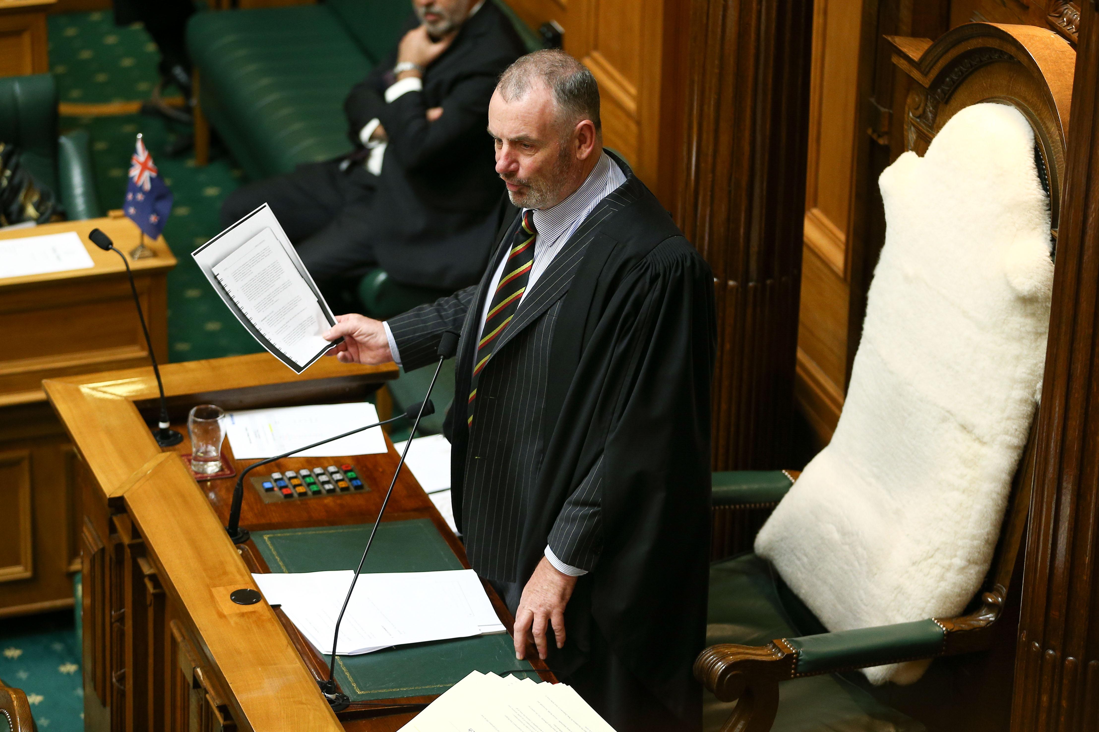 Neuseeland: Parlamentssprecher springt als Babysitter ein