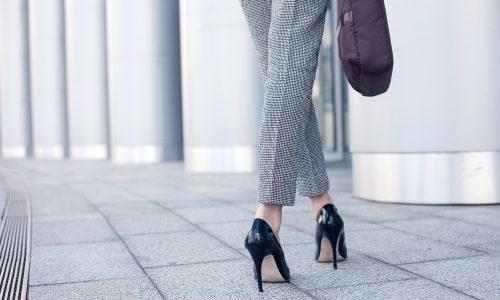 High Heels mit Loch für großen Zeh:Ist das der neueste Schuhtrend?
