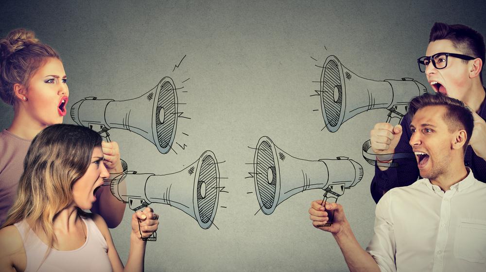 Kann man eine Beziehung mit jemandem führen, der eine andere politische Meinung hat?
