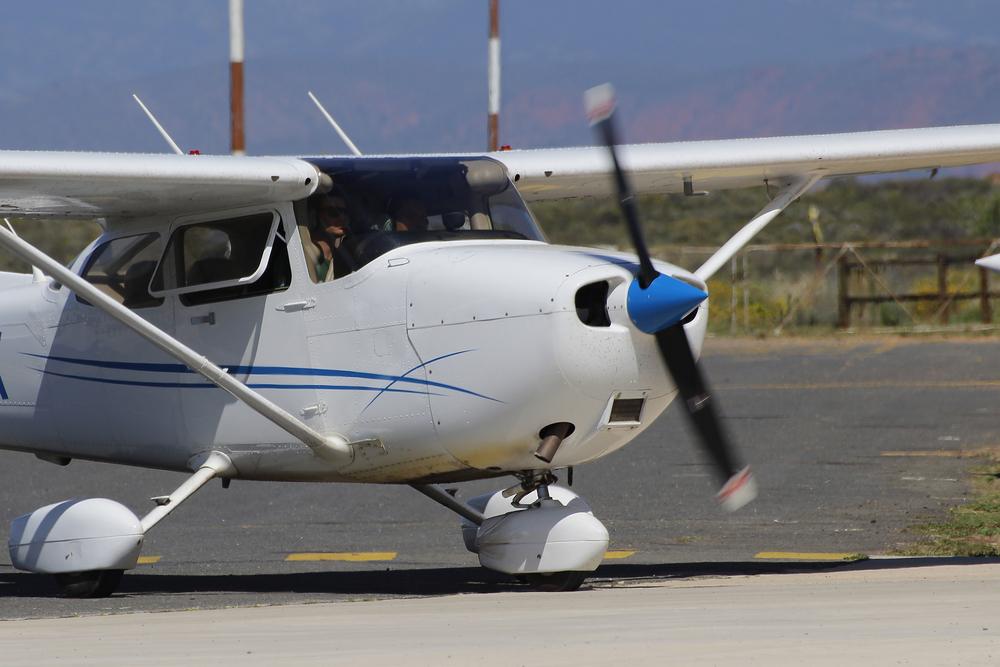 Fluglehrer bewusstlos: Schüler muss in seiner ersten Stunde alleine landen