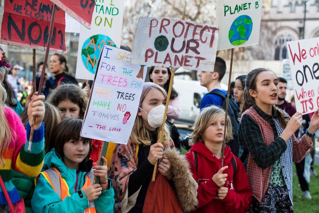 Earth Strike: Menschen demonstrieren gegen Klimawandel