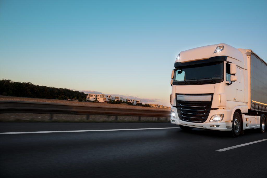 Calais: 8 Menschen in Kühllastwagen gefunden