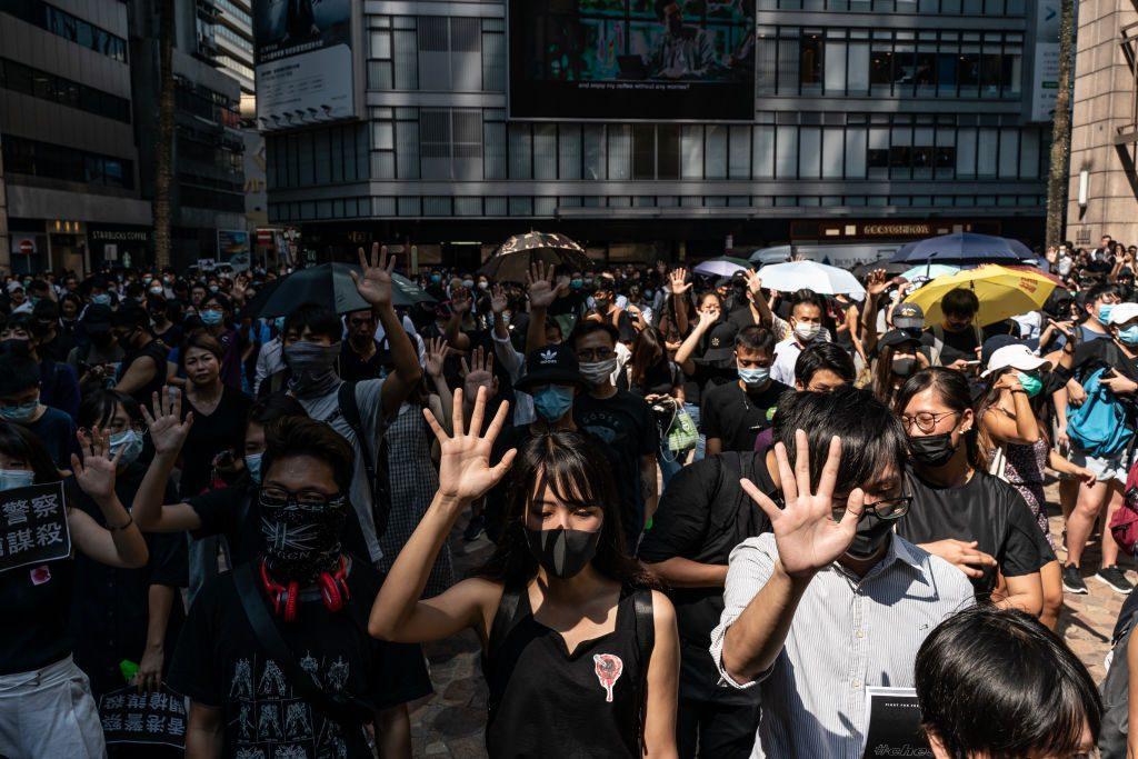 Hong Kong Proteste: Polizei schießt auf Teenager