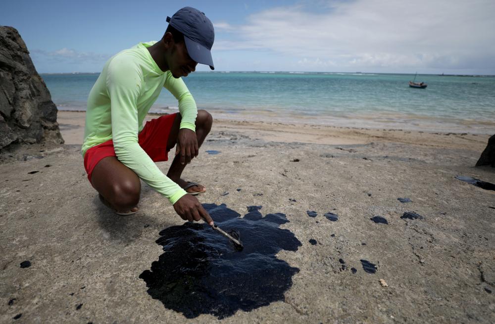 Brasilien: Ölpest verseucht Urlauberstrände