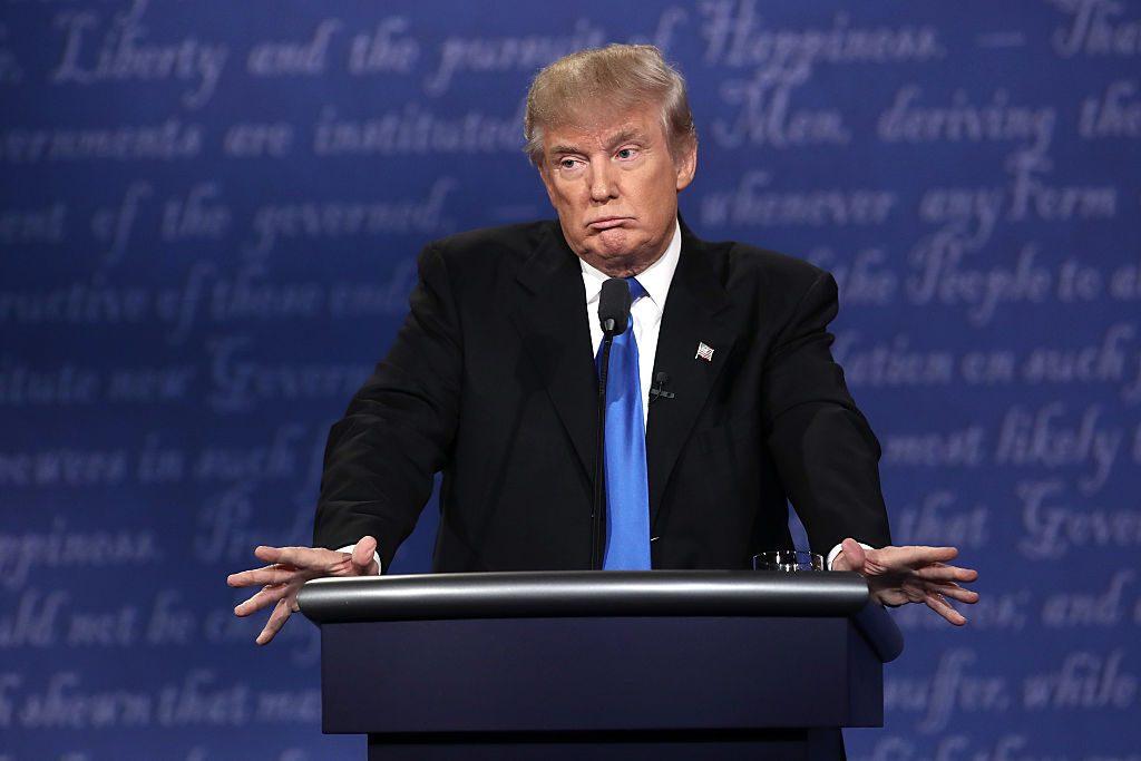 Donald Trump: Er muss Millionenstrafe wegen illegaler Geschäfte zahlen