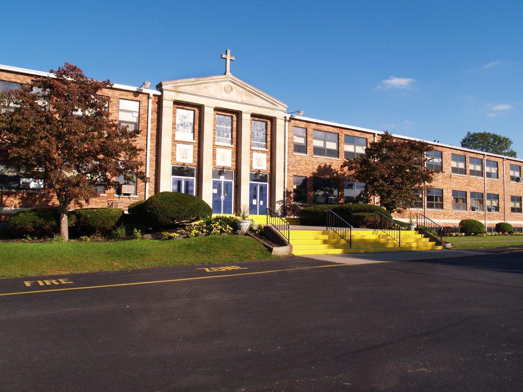 Kalifornien: Katholische Schule drohte Teenagerin zu outen