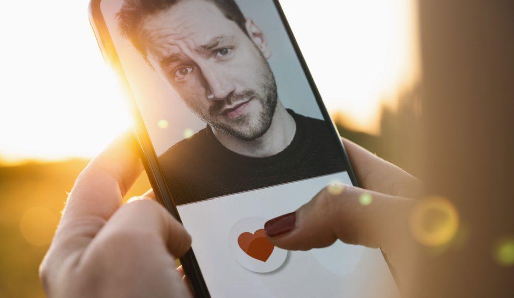Mann programmiert Dating-App – mit ihm als einzigen Single