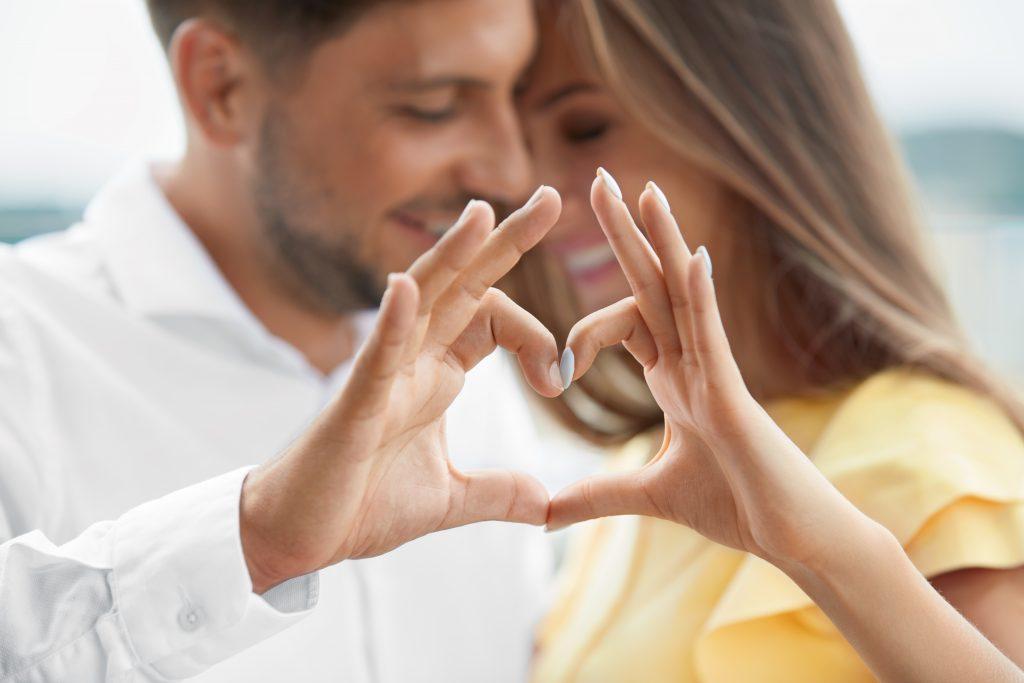 Das ist der perfekte Partner für dein Sternzeichen