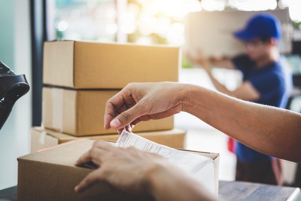 Postbote bunkert mehr als 1000 Briefe zu Hause