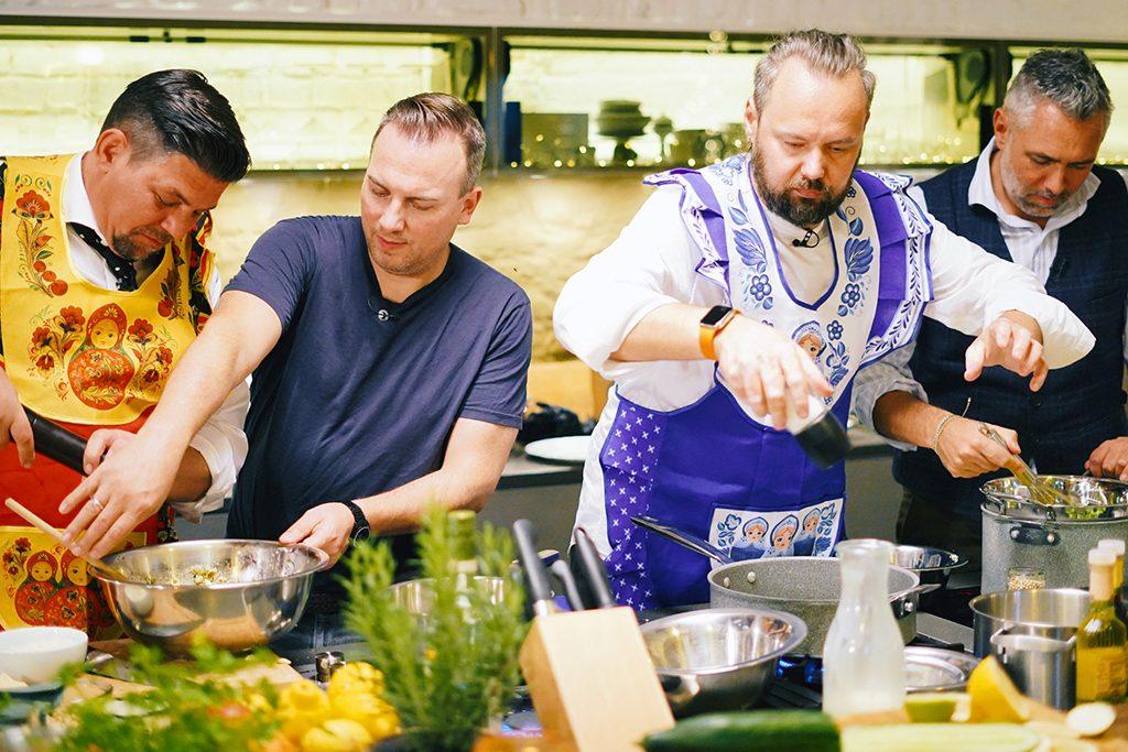 Tim Mälzer, Tim Raue, Mario Lohninger und Roland Trettl (Foto: TVNOW / Stefan Gregorowius)