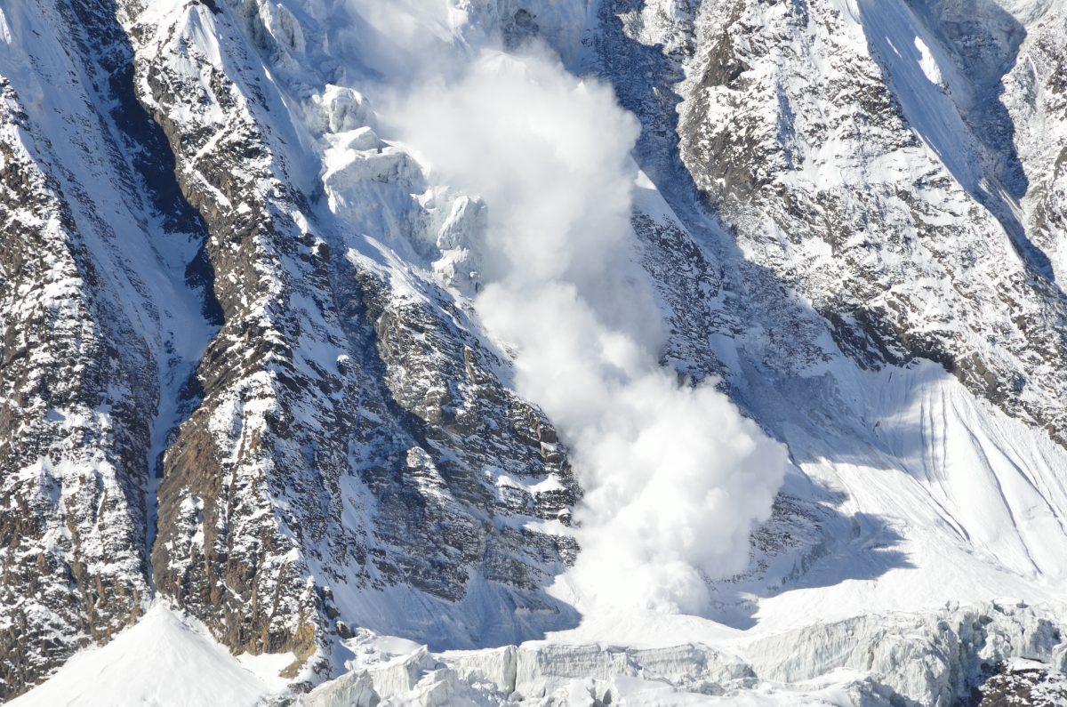 Fünf Stunden unter Lawine verschüttet: Tourengeher überlebt