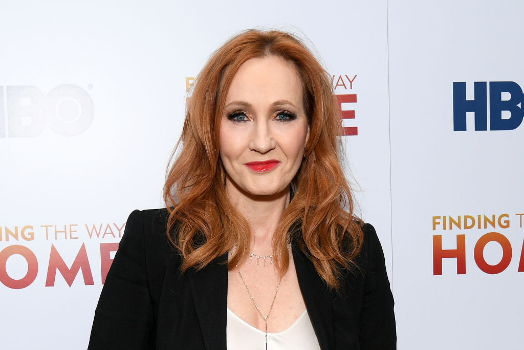 J. K. Rowling: Transphober Tweet löst Shitstorm aus