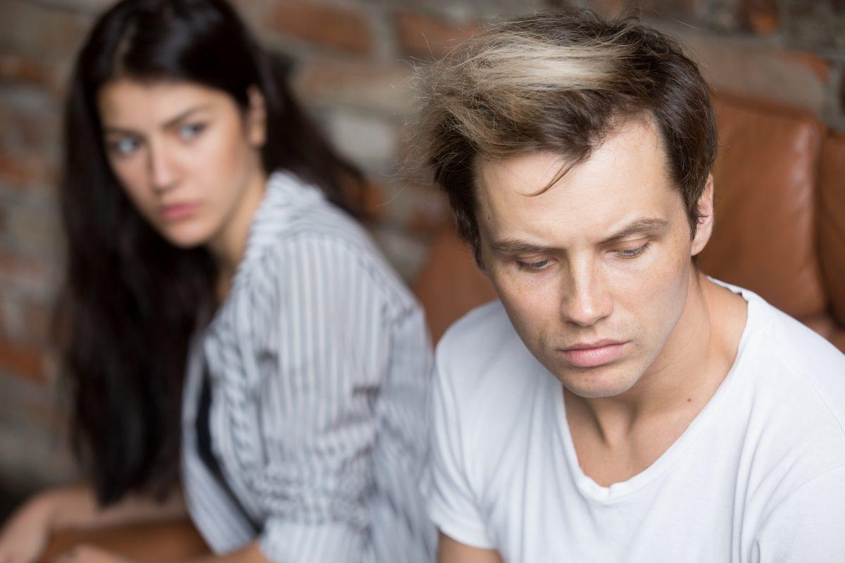 5 Sätze, die er sagt, wenn er dich betrügt