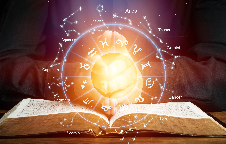 Sternzeichen: Das sagt dein Deszendent über dein Liebesleben aus