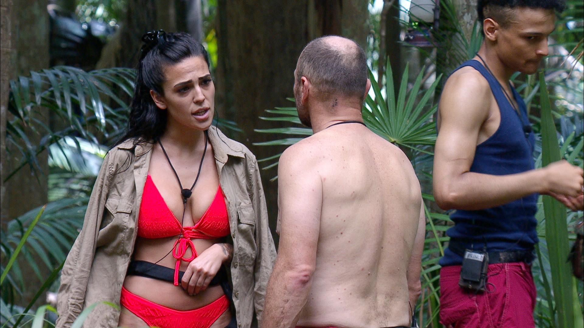 Dschungelcamp: Elena Miras rastet wegen Trinkflasche aus