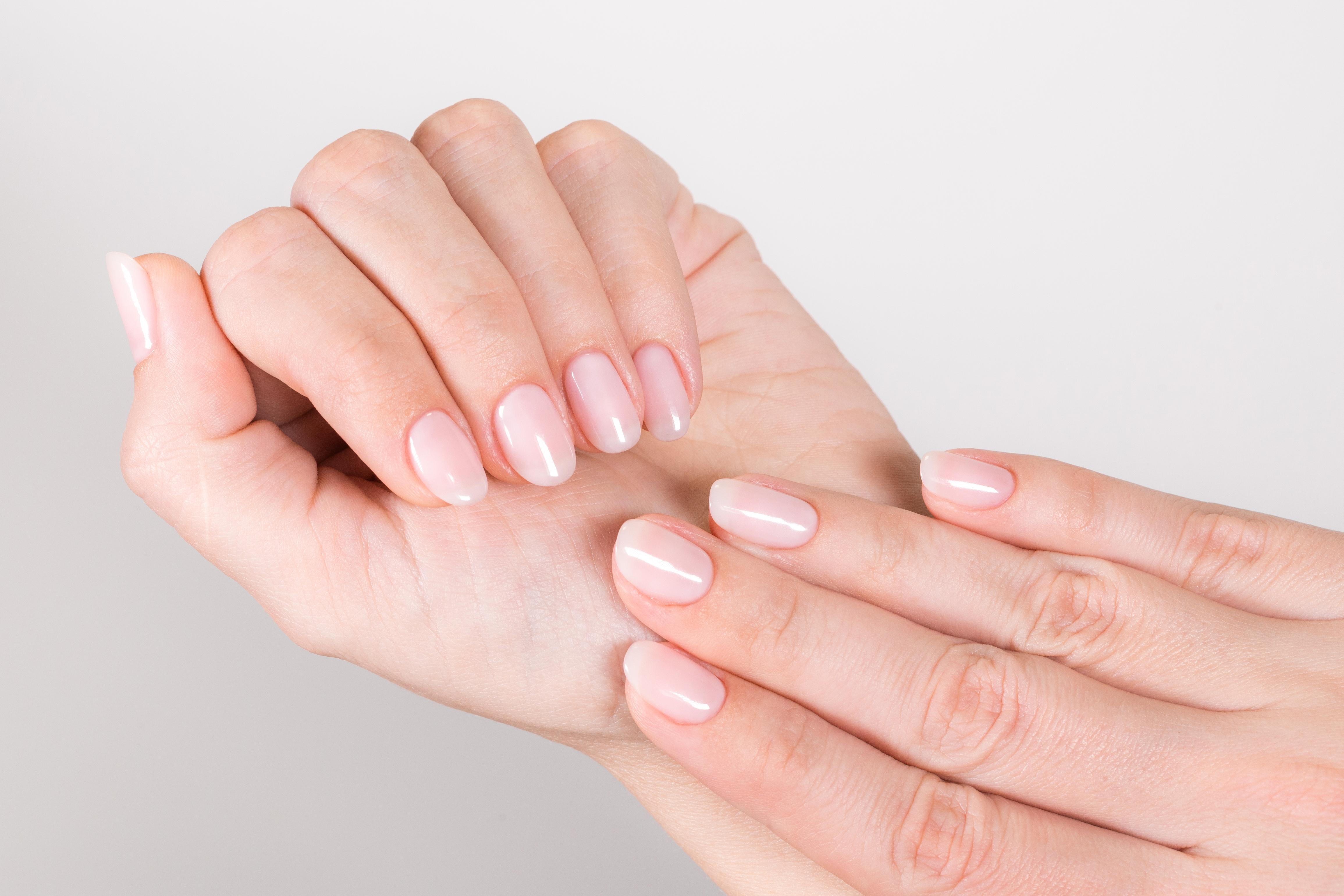 Milky Nails: Diesen Nagellack-Trend musst du lieben
