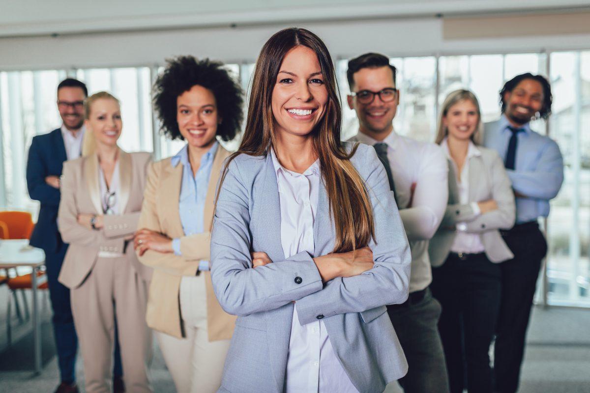 Studie: Internationale Firmen stellen mehr Frauen ein
