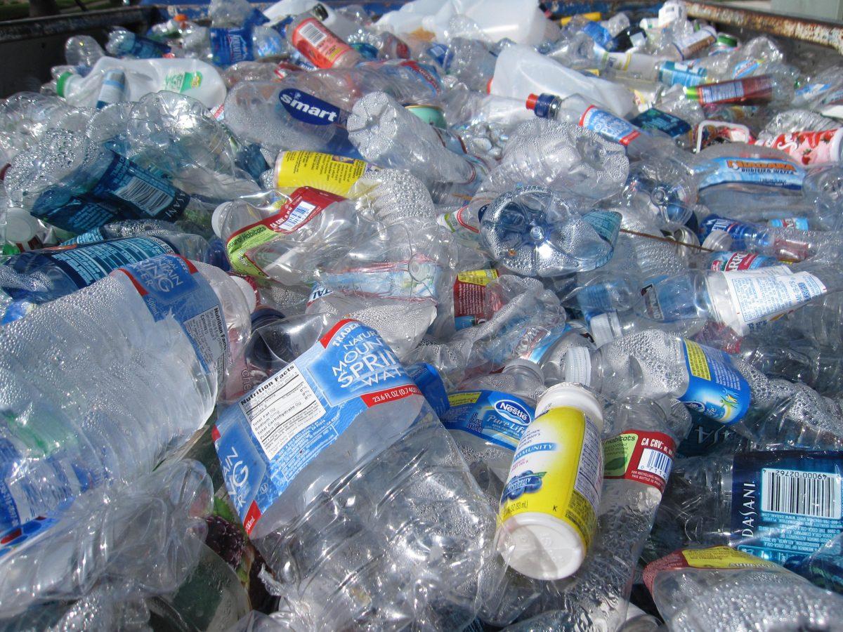 China verbietet Plastiksackerl und Einwegtrinkhalme