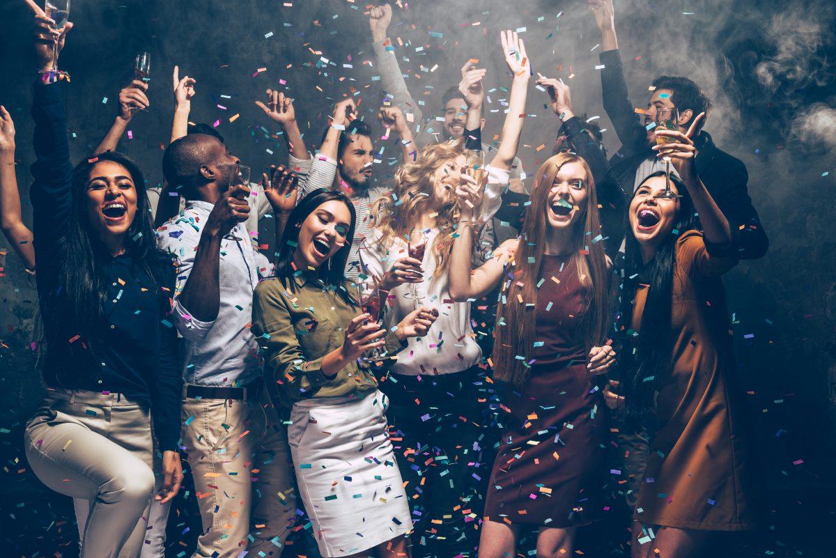 Diese 3 Sternzeichen gehen nicht gern auf Partys
