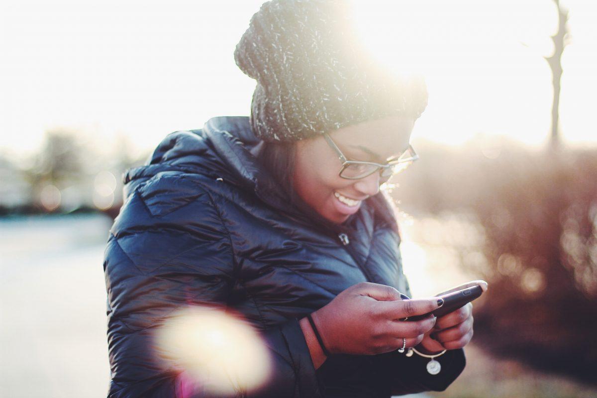 Diese 4 Sternzeichen können nicht ohne ihr Smartphone leben