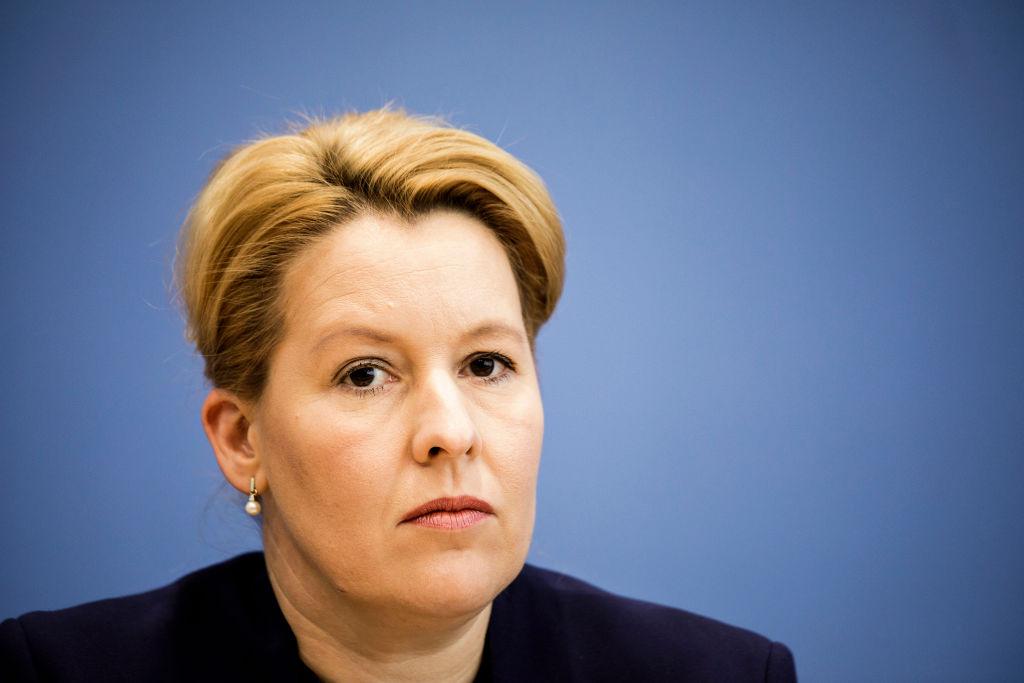 Quote: Deutsche Familienministerin will mindestens eine Frau pro Vorstand