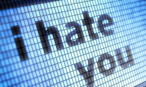 Hass im Netz: Deutsche Regierung beschließt schärfere Maßnahmen