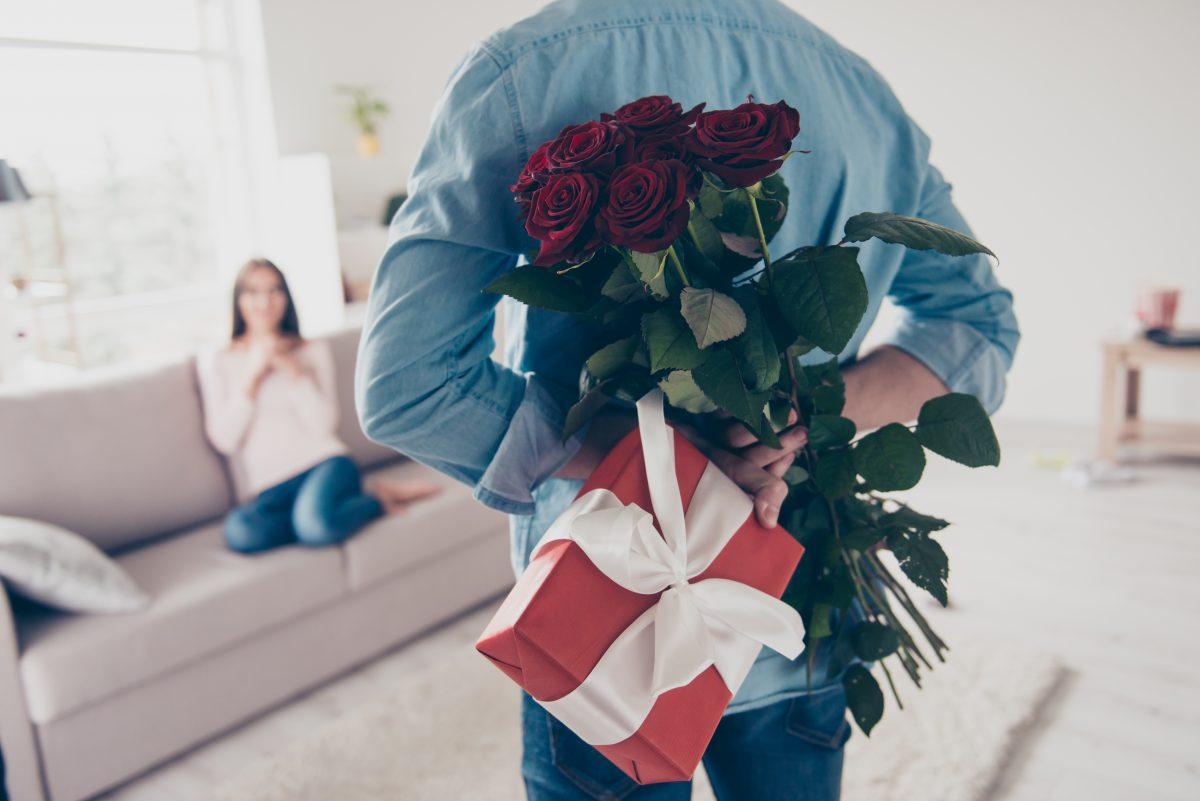 Love Bombing: Das steckt hinter dem Dating-Trend