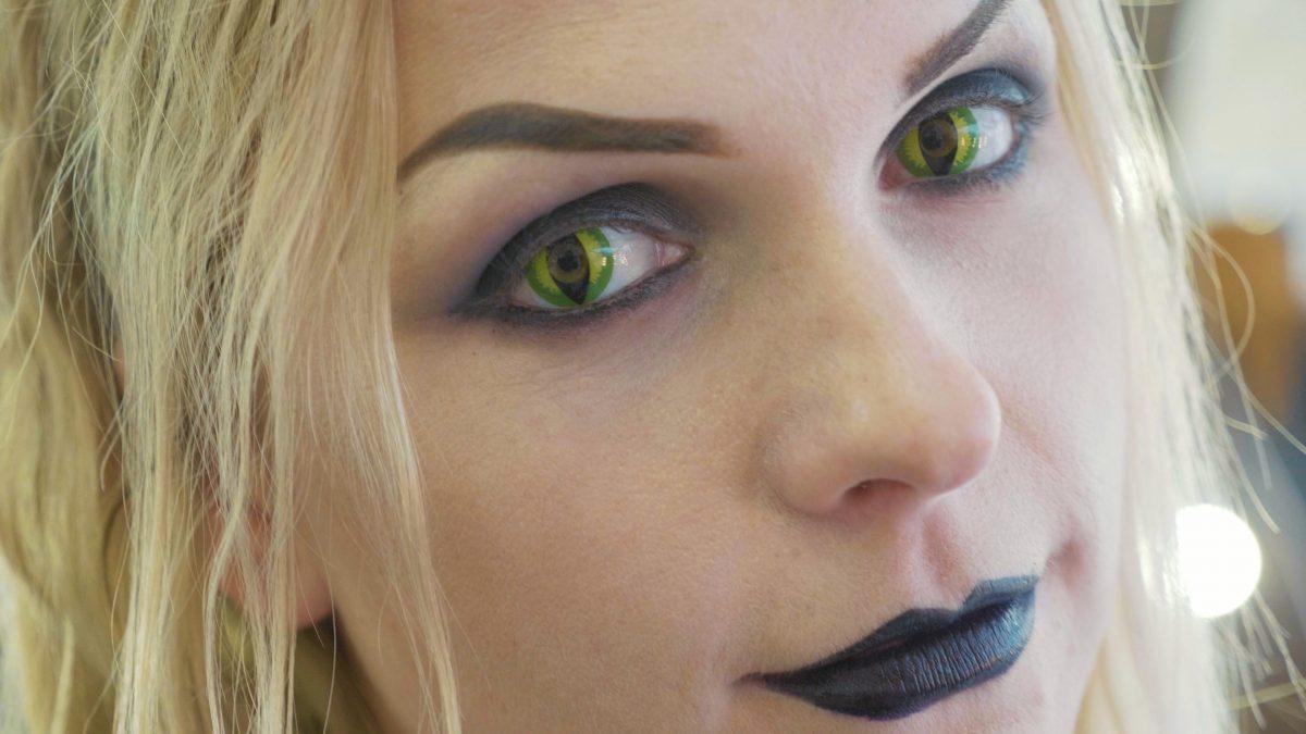 Augenärzte warnen vor bunten Kontaktlinsen zu Fasching
