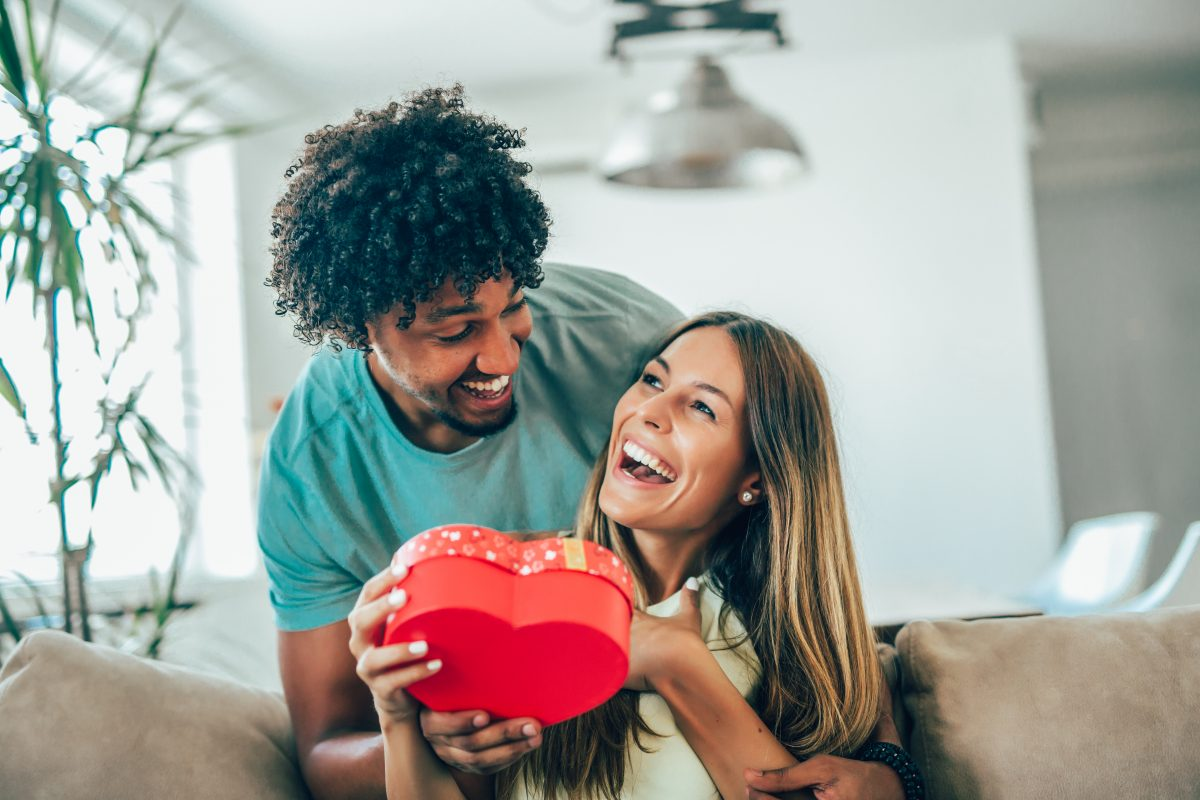 Valentinstag: 5 Last Minute  Geschenke für IHN