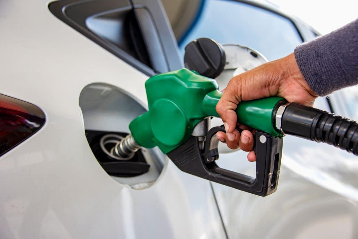 Ölpreis sinkt auf tiefsten Stand seit 2002: Was heißt das für Verbraucher?
