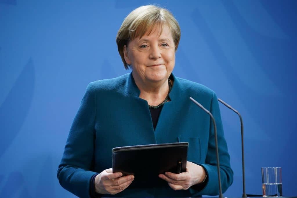 Angela Merkel ruft an, um Danke zu sagen: Feuerwehrmann legt auf