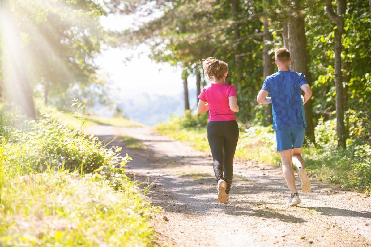 Coronavirus: Darf man noch spazieren oder joggen gehen?