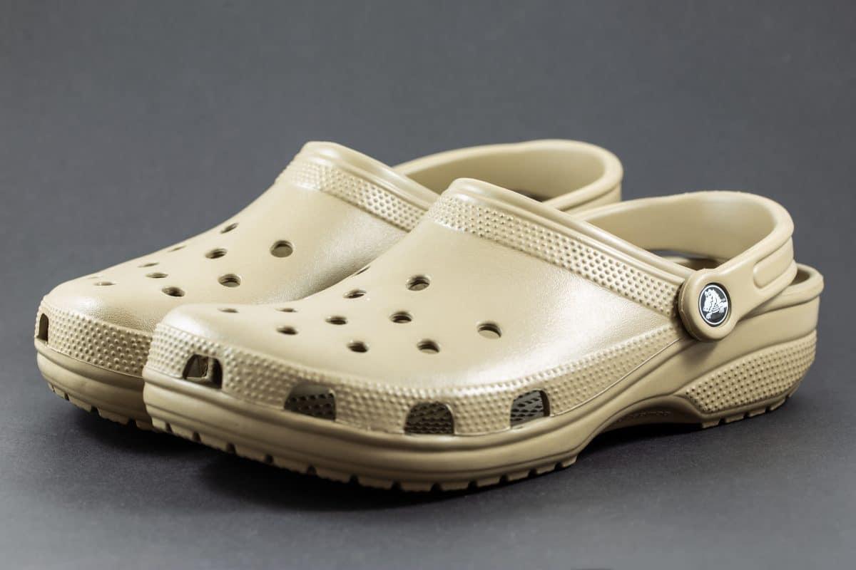 Crocs spendet 10.000 Paar Schuhe pro Tag an Gesundheitspersonal